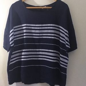 Simple NYC Woman's Top